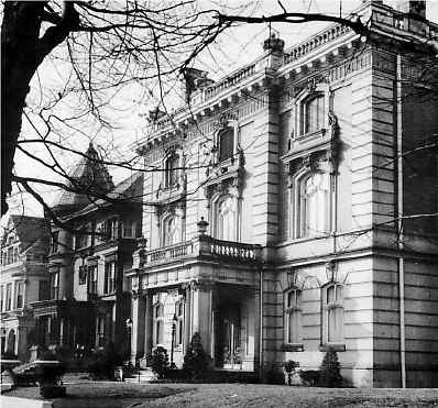 Ferguson_Mansion_1955.jpg (66152 bytes)